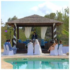 Een droomhuwelijk in de eigen tuin van het bruidspaar in Calpe ( Spanje)
