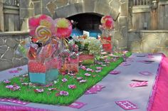 Candyland table decor