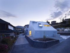 Cloudy House by Takao Shiotsuka - Dezeen Japanese Architecture, Interior Architecture, 233, Small Buildings, Small Houses, Courtyard House, Facade Design, Dezeen, Architect Design