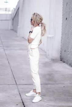White-on-white is the freshest color combo around. Mary of Happily Grey killed it in this refreshingly laid-back look, perfect for errands or lunch with the girls.