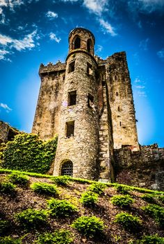 The Other Side Of Blarney by Alex Abrahams on Blarney castle, Irlanda Oh The Places You'll Go, Places To Travel, Places To Visit, Beautiful Castles, Beautiful Places, Photo Chateau, Chateau Medieval, Famous Castles, Ireland Travel