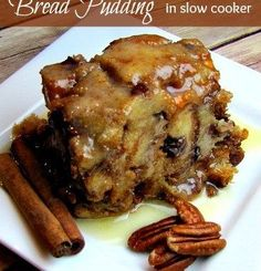 To Die For Bread Pudding Slow Cooker Recipe Oh my! This bread pudding slow cooker recipe is the absolute best bread pudding I have ever tasted on this side of heaven. Ingredients: 3 large eggs c of light Crock Pot Desserts, Slow Cooker Desserts, Crock Pot Cooking, Slow Cooker Recipes, Just Desserts, Crockpot Recipes, Delicious Desserts, Dessert Recipes, Cooking Recipes