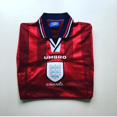 Absolute classic England Away Shirt, by Umbro. 97/99 - link in bio #England #Englandfootballteam #threelions #wembley #football #footballshirt #retro #retroshirt #retrofootball #retrofootballshirt #worldcup #france98 #vintage #vintageumbro #vintagefootball #vintagefootballshirt #classickit #classicfootball #soccer #soccerjersey #90s #90sfootball #90svintage