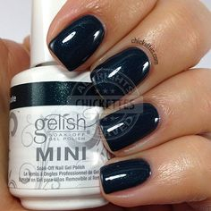 Gelish Ice Skate, You Skate, We All Skate - swatch by Chickettes.com