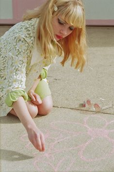 Tavi Gevinson style blog-Great article on her in Bust magazine