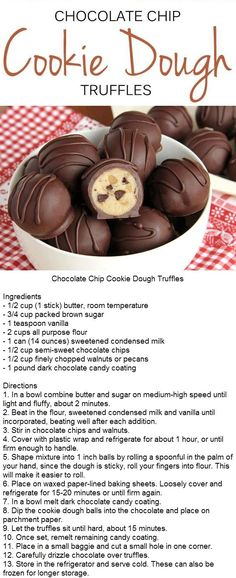 chocolate chip cookies These chocolate chip cookie dough truffles are so easy youre going to feel like youre cheating. Cookie Dough Vegan, Cookie Dough Truffles, Chocolate Chip Cookie Dough, Chocolate Truffles, Cake Chocolate, Cookie Dough Cake Pops, Chocolate Chips, No Bake Truffles, Lemon Truffles