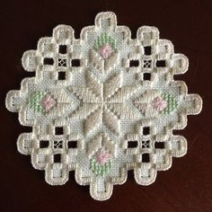 Size is approximately - Hardanger embroidery doily. Types Of Embroidery, Learn Embroidery, Hand Embroidery Designs, Embroidery Patterns, Hardanger Embroidery, Embroidery Stitches, Paper Embroidery, Cross Stitches, Doily Patterns