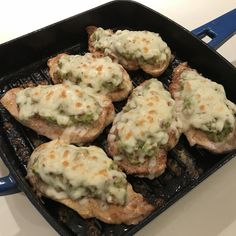 Seasoned chicken breasts are browned in butter and olive oil, topped with homemade guacamole and slices of pepper jack cheese, then broiled. Chicken Melt Recipe, Chicken Recipes, Chicken Meals, Keto Chicken, Turkey Recipes, Guacamole Chicken, Homemade Guacamole, Cheesy Recipes, Potato Recipes