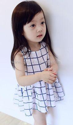 ชุดเสื้อกระโปรงเด็ก 100 110 120 130 140 ~ 239.00 บาท >>