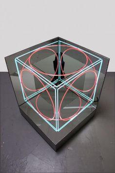 neon mirror cube II | Jeppe Hein (2012) light art