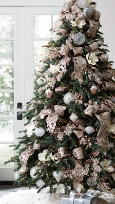 Ideas rose gold christmas tree ornaments for 2019 Country Christmas Ornaments, French Country Christmas, Christmas Tree Themes, Noel Christmas, Rustic Christmas, Christmas Picks, French Christmas Tree, Christmas Tree Decorations Ribbon, Christmas Quotes