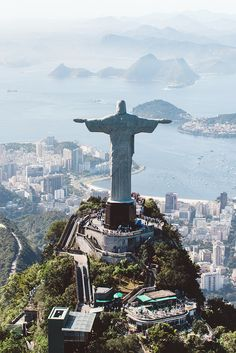 If you were following over on Snapchat whilst I was in Rio, you would have noticed that after my day exploring the city, I experienced quite a whirlwind 24 hours with Paco Rabanne and their Million fragrance line – the reason for my trip to Brazil. Perfume brands, take note, this is how to launch a new fragrance.