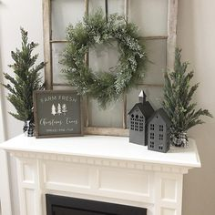 Farmhouse Christmas Decorations - 23 Christmas DIY Decorations Easy and Cheap Decoration Christmas, Farmhouse Christmas Decor, Christmas Mantels, Xmas Decorations, Rustic Christmas, Christmas Home, Christmas Christmas, Cottage Christmas, Modern Christmas