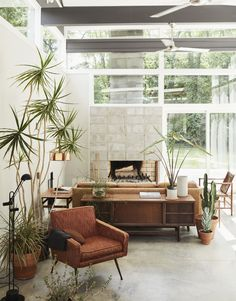 Photo 3 of 22 in A Self-Taught Designer Builds a Midcentury-Inspired Home on a Budget - Dwell Diy Living Room Decor, Living Room On A Budget, Small Living Rooms, Living Room Modern, My Living Room, Living Room Interior, Living Room Designs, Living Room Furniture, Home Decor