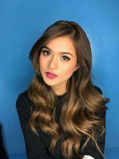Filipina Actress, Face Hair, Girl Dancing, Gq, Girl Hairstyles, Hair Makeup, Singer, Actresses, Long Hair Styles
