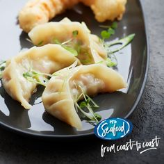 Feast your eyes on our prawn gyoza. Serve with a 50/50 blend of soy sauce and Chinese vinegar and you've got yourself a 10/10 dish!  PRODUCT CODE: 248918 - Prawn and Ginger Dumplings