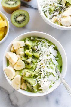 Le  smoothie bowl  à la banane et au kiwi pinterest petit dejeuner été