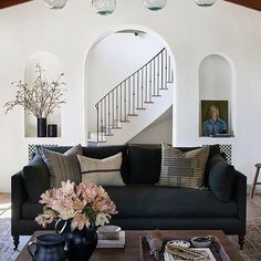 Home Decor Art Spanish Revival home Pacific Palisades Los Angeles designed by Image: Decor Art Spanish Revival home Pacific Palisades Los Angeles designed by Amber Interiors. Boho Glam Home, Spanish Revival Home, Spanish Style Homes, Spanish Style Interiors, Spanish Colonial, Living Room Decor, Living Spaces, Living Rooms, Dining Table Sale