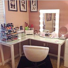 such a clever idea to use an L shaped desk to have more space for a vanity corner!