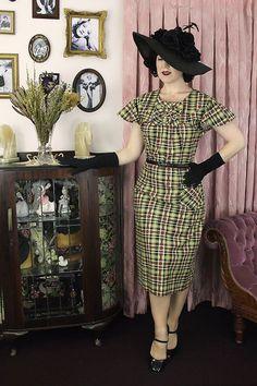 Vintage Dress cotton / Mildred / by EvelynWoodVintage Vintage Inspired Fashion, 1930s Fashion, Vintage Fashion, Plaid Fashion, Style Fashion, Fashion Styles, Girl Fashion, Autumn Fashion, Retro Outfits