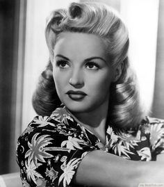 Victory Rolls1940's Women's Hairstyles ❥❥❥ http://bestpickr.com/1940s-hairstyles