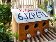 The Dale Maley Family Web Site License Plate Bird House - love these instructions for a design that doesn't fold over so you can actually see the plate! Plus there are 3 holes and 3 perches, lots of room for birds! License Plate Crafts, License Plate Art, License Plate Ideas, Birdhouse Craft, Birdhouse Designs, Unique Birdhouses, Birdhouse Ideas, Bird House Plans, Bird House Kits