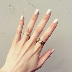 """Vernis Manucurist - Beige N°1  Vu sur l'Instagram """"#Intoyourcloset"""" http://instagram.com/intoyourcloset  Vernis Manucurist - Beige N°1 BEIGE PERLE qui nacre l'ongle d'un blanc lumineux, à la préciosité discrète. http://www.manucure-beaute.com/les-beiges/4850-vernis-manucurist-beige-n1-3662263210267.html"""