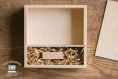 These handmade wood print & USB drive boxes are the perfect compliment to delivering your USB flash drives with physical proofs! The slide Photography Packaging, Photography Business, Usb Flash Drive, Usb Drive, Make Business, Wood Print, Compliments, Branding, Pouches