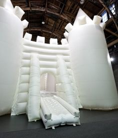 white bouncy castle (forsythe in hellerau dresden) - Leipziger Allerlei Magical Wedding, Diy Wedding, Dream Wedding, Wedding Day, Wedding Shit, Bouncy House, Bouncy Castle, Artistic Installation, Event Themes