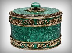 box made of malachite Jewellery Boxes, Jewelry Box, Antique Boxes, Pretty Box, Treasure Boxes, Little Boxes, Small Boxes, Casket, Trinket Boxes