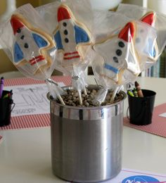Rocket cookies & anti gravity game  Life Frosting: Astronaut Training Party