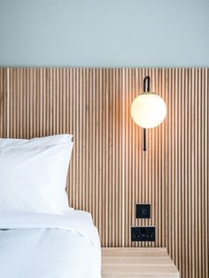 9 Small Bedroom: Innovative Ideas and Decoration Tips . Find ideas for Bedroom with many of inspiring photos from design professionals. Home Bedroom, Modern Bedroom, Diy Bedroom Decor, Home Decor, Bedrooms, Soho House, Room Inspiration, Interior Inspiration, Small Bedroom Hacks