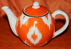 an old teapot from Uzbekistan. Appr. 500 ml.