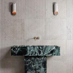 All Posts • Instagram Victorian Design, Green Marble, Elle Decor, Accent Colors, Home Decor Inspiration, Home Organization, House Colors, Home Accessories, Door Handles