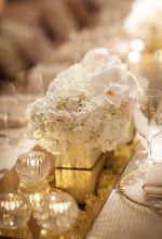 Stunning wedding centerpieces & table decor. More Wedding Planning tips, Unique ideas & Inspiration www.my-best-frien... See www.my-best-friends-wedding.com for more dream wedding inspiration & ideas