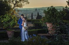 Retrospectiva elopement e destination weddings, fam tours e congressos Santorini, Villa, Elope Wedding, Elopement Wedding, Italian Garden, Italian Language, Tours, Wedding Night, Old Town