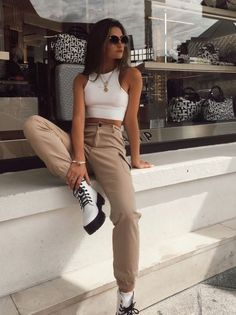 Bonitas y sencillas de hacer. #style #streetstyle Trendy Fall Outfits, Cute Casual Outfits, Stylish Outfits, Spring Outfits, Spring Clothes, Winter Clothes, Sporty Outfits, Rock Fall Outfits, Layered Summer Outfits