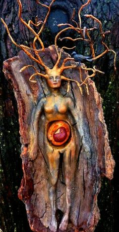 The Wild Seed, Spirit Tree Woman with Crow - Debra Bernier - interactive sculpture. This could make an excellent 5 - 8 week art therapy invitation for women. Green Man, Tree Woman, Totems, Gods And Goddesses, Tree Art, Faeries, Mother Earth, Wood Carving, Wood Art