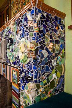 Fireplace Hearth, Fireplace Ideas, Mosaic Art, Mosaic Tiles, China Wall, Outdoor Fireplaces, Mosaic Projects, Garden Art, Objects