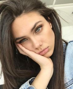 Gorgeous Makeup Ideas My Top Pretty People, Beautiful People, Beautiful Women, Beauty Makeup, Hair Makeup, Hair Beauty, Gorgeous Makeup, Dark Hair, Pretty Face