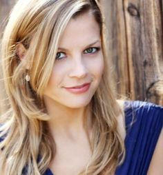 Stephanie Lemelin as Jenna, Stitch's ex-wife