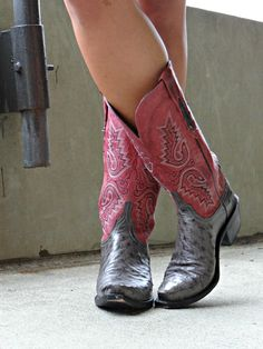 Lucchese boots. #ostrich #redcowgirlboots
