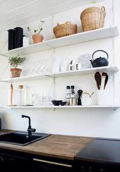 Open and hanging shelves creates an ease in a small kitchen. Here inspired by the nordic style. Home Decor Kitchen, Home Kitchens, Kitchen Dining, Dining Rooms, Nordic Kitchen, Knoxhult Ikea, Craftsman Kitchen, Scandinavian Interior Design, Kitchen Shelves