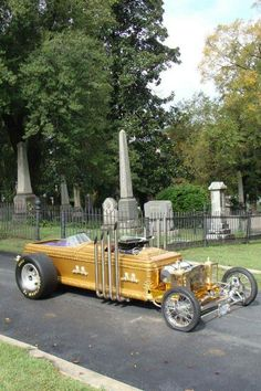 The Munsters - Dragula coffin car