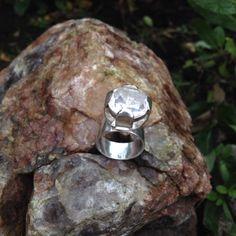 Silverring med bergkristall