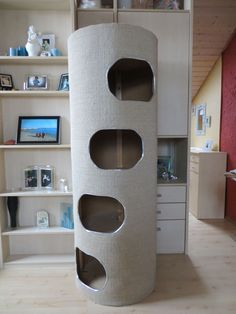 """A nice big scratching barrel was simply a """"must have"""" for us! After I… - Room accessories Cat House Diy, Diy Cat Tree, Cat Trees, Living With Cats, Cat Perch, Cat Playground, Kitty Games, Cat Room, Pet Furniture"""