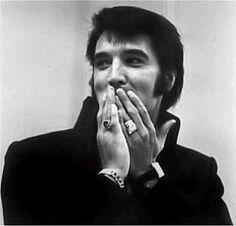 Elvis Presley no escribió ninguna de sus canciones. Más datos curiosos de la música en nuestro blog.