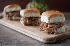 Hawaiian IPA Pineapple Pulled Pork Sliders, made in a slow cooker-- this website has tons of recipes for cooking with beer. Mmmmmmmmm look at ingredients Beer Recipes, Pork Recipes, Slow Cooker Recipes, Crockpot Recipes, Cooking Recipes, Entree Recipes, Sandwich Recipes, Recipies, Cooking With Beer