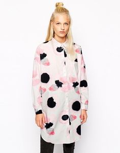 Right. Someone now explains to me how Monki nails it every single time?! I need this shirt ASAP! Would wear it as a dress with Dr Martens and a bright lippy :) http://asos.to/1vDyaZI