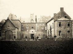 De achterzijde van Villa des Roses.